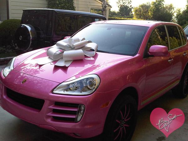 Cadeau pour tous, voiture rose