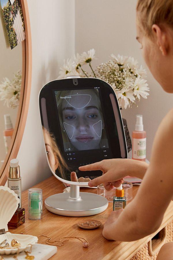 himirror miroir de l'avenir intelligent femme reflet